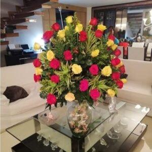 Rosas en Jarrones
